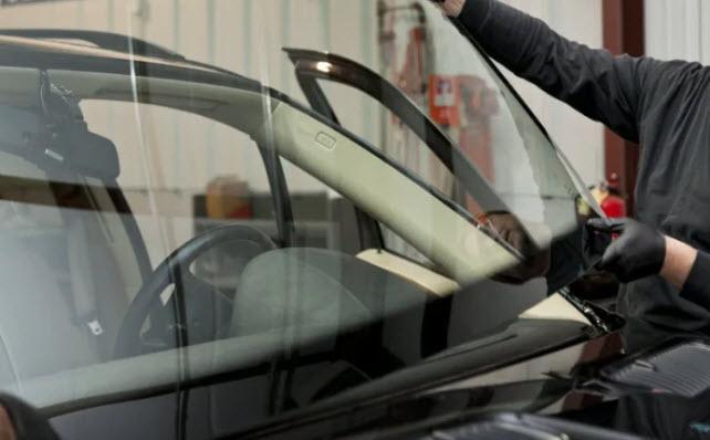 Avantages de la réparation du pare-brise par rapport au remplacement du pare-brise