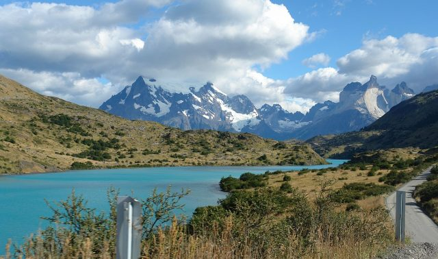 Voyage au Chili : randonnée en groupe à Torres del Paine
